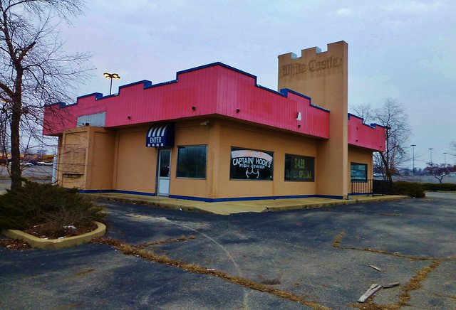 White Castle Dayton OH locations, hours, phone number, map and driving directions.