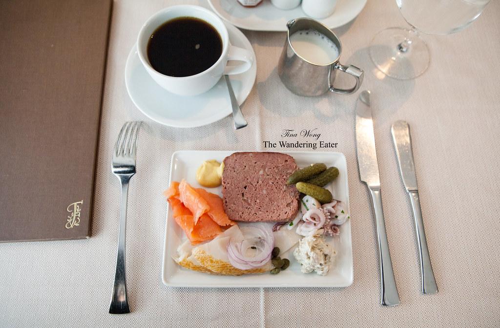 Plate of smoked fish smoked salmon and sable whitefish for Sable s smoked fish
