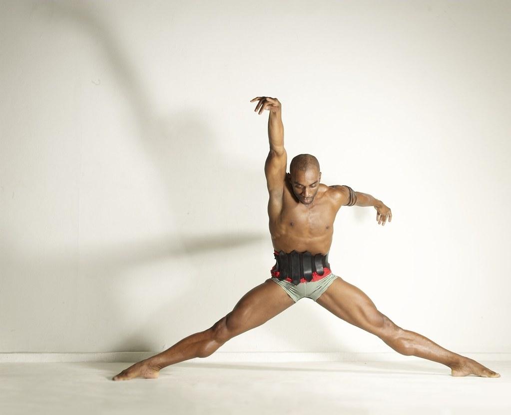 У парня в балете встал член 21 фотография