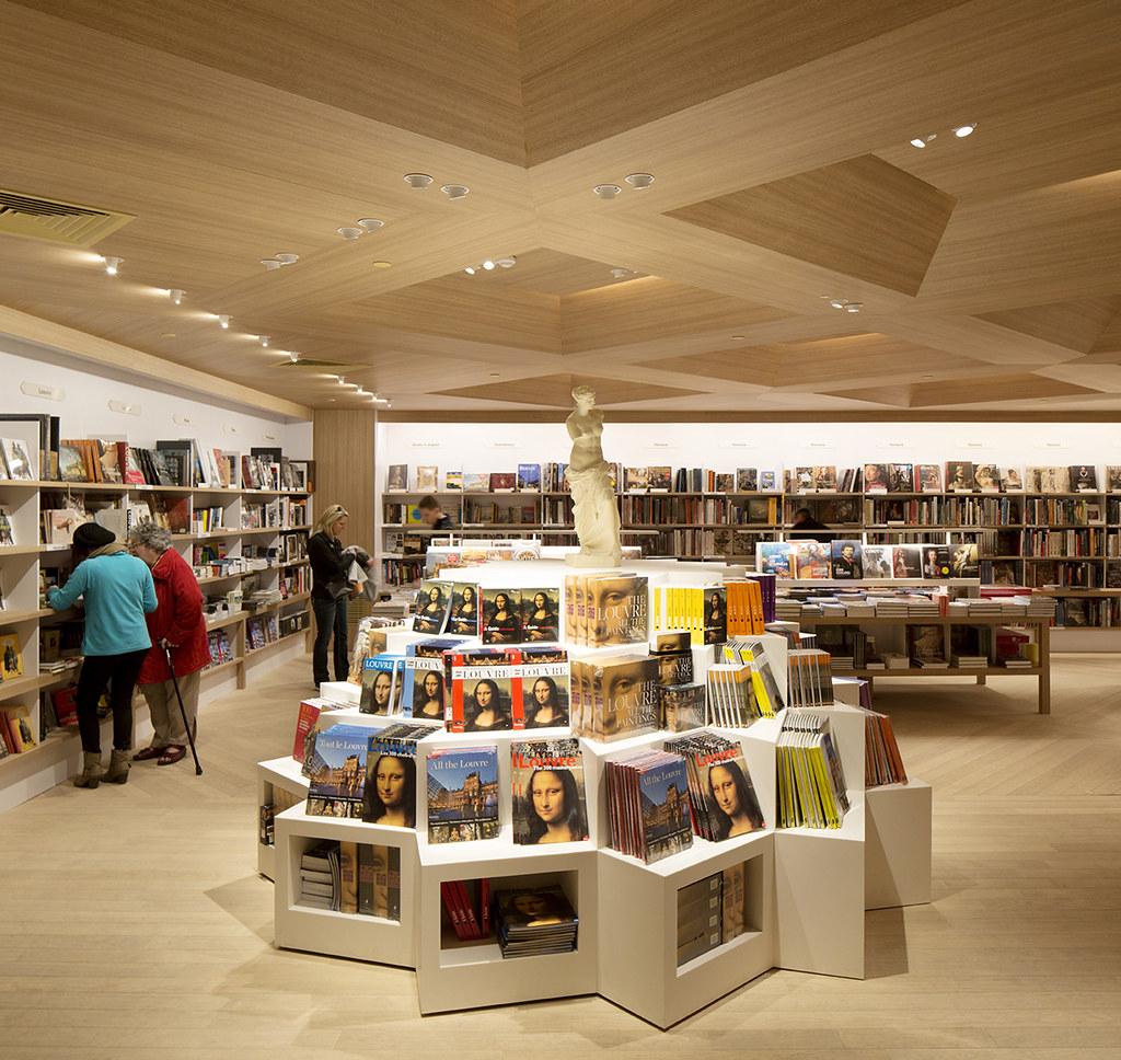 nouveaux espaces de la librairie boutique du louvre gare flickr. Black Bedroom Furniture Sets. Home Design Ideas