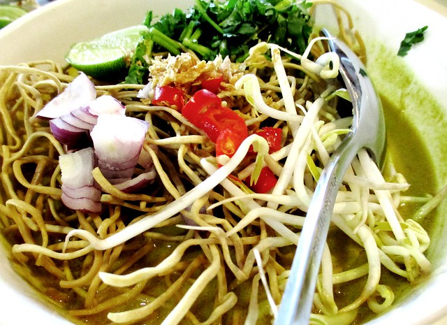 Flavours Thai Kitchen Chiangmai curry noodles 2