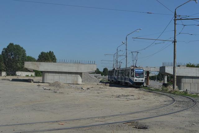 Lijn 19 langs bouwput in dnepropetrovsk
