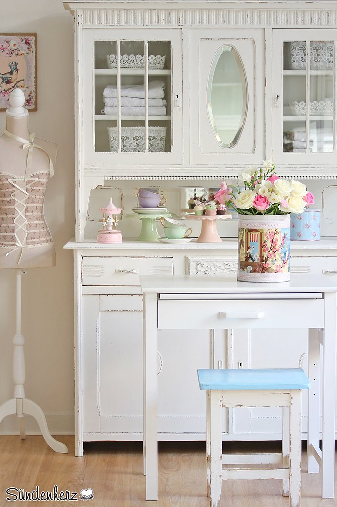 shabby chic kitchen dresser cupboard k chenbuffet flickr. Black Bedroom Furniture Sets. Home Design Ideas