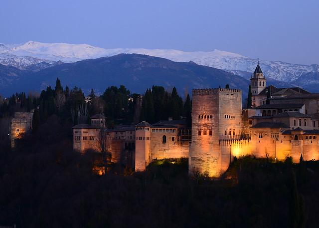 La Alhambra de Granada al atardecer desde el barrio del Albaicín