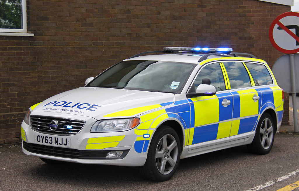 Hertfordshire Police Roads Policing Unit Volvo V70 Traffic