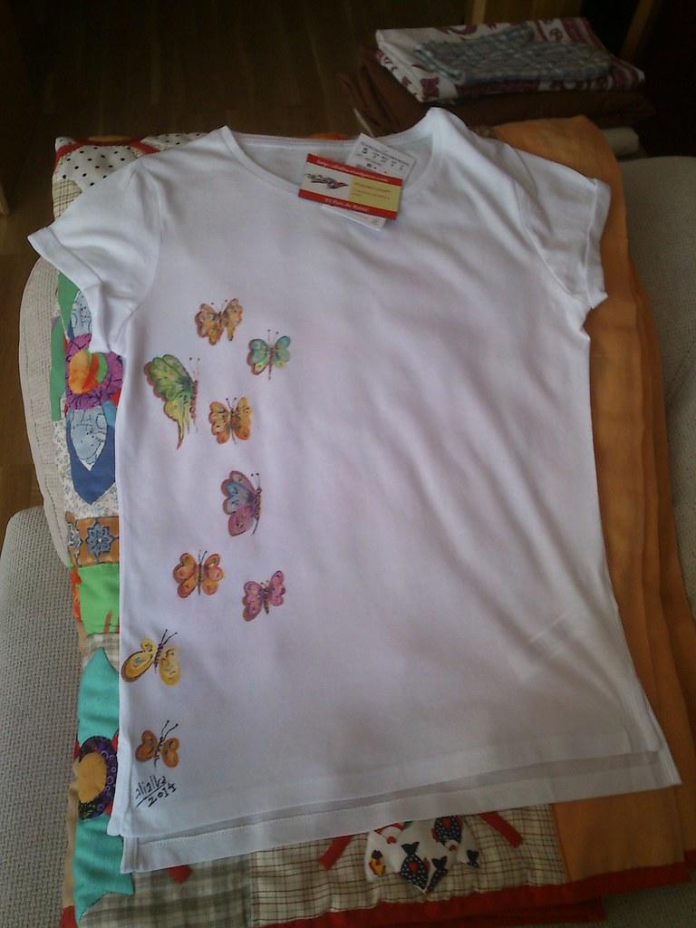Camiseta pintada a mano terminada frente alialba flickr - Plantillas para pintar camisetas a mano ...
