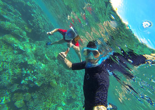 Haciendo snorkelling en Maldivas junto a la isla deshabitada de Odagalla