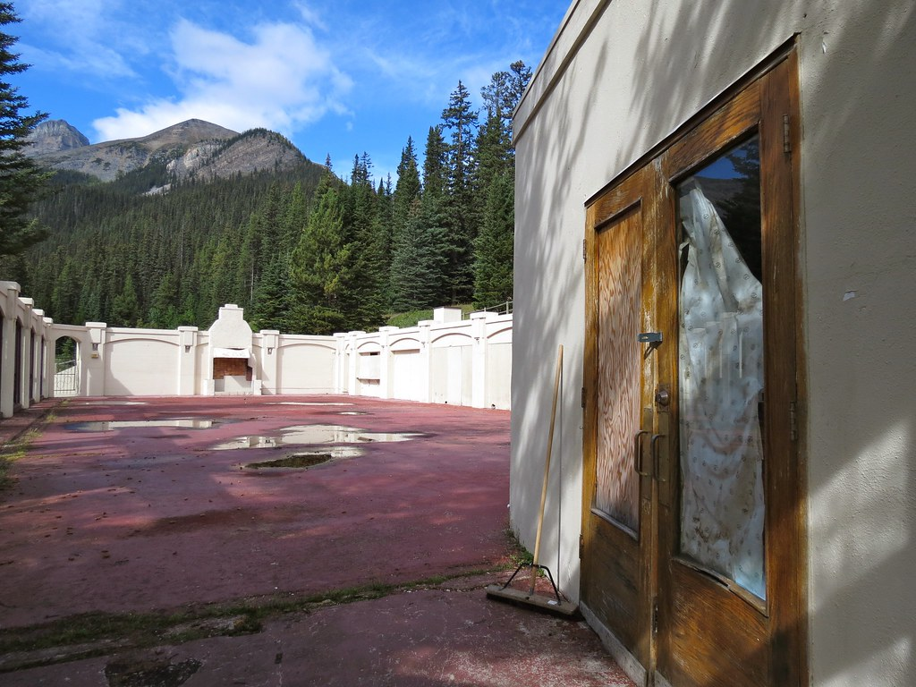 Former Outdoor Pool Chateau Lake Louise Jmacpherson Flickr
