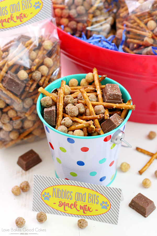 Kibbles & Bits Snack Mix.