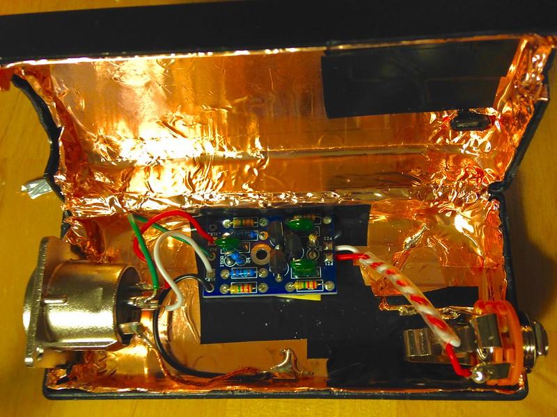 Cortado amplification circuit in former power supply case