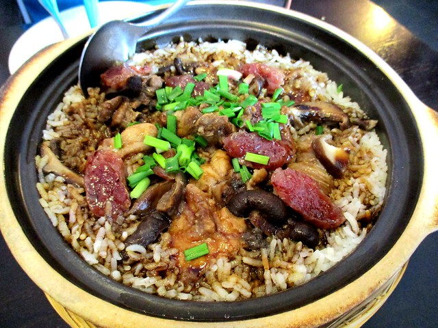 Le Cafe claypot chicken rice