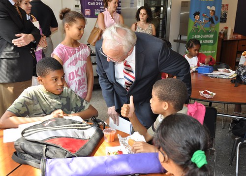 Under Secretary Food, Nutrition and Consumer Services Kevin Concannon with children