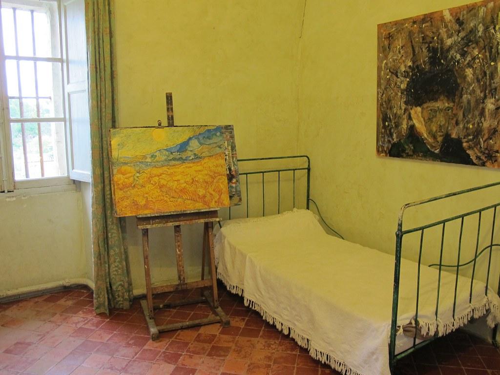Reconstitution de la chambre de van gogh monast re saint Chambre van gogh