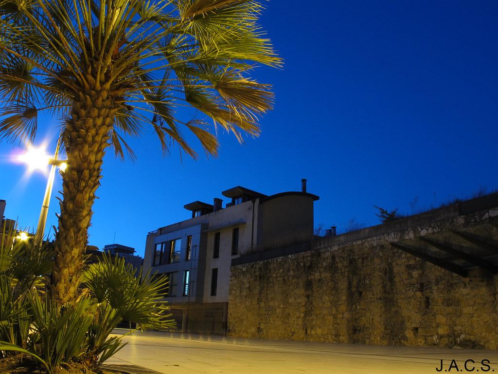 Oviedo nocturno agosto 2013 cerca de la piscina de for Piscinas oviedo