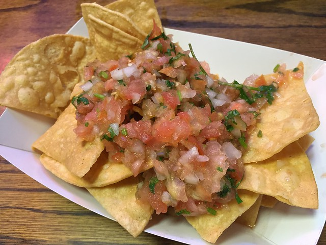 Chips and salsa - La Taqueria