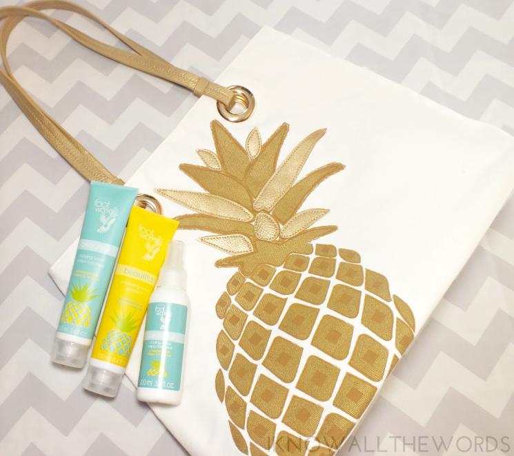 Avon Tropical Pineapple Tote (1)