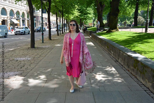 how to wear pink over 40