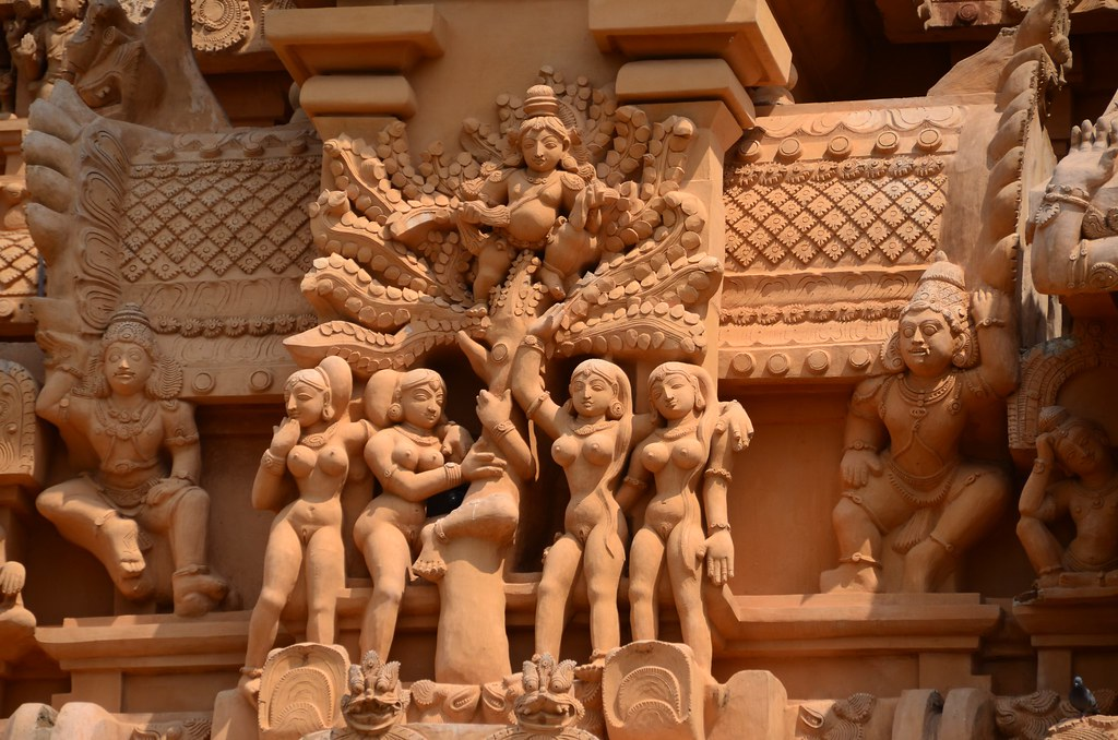 Lord Krishna And Gopis Brihadeshwar Lord Krishna
