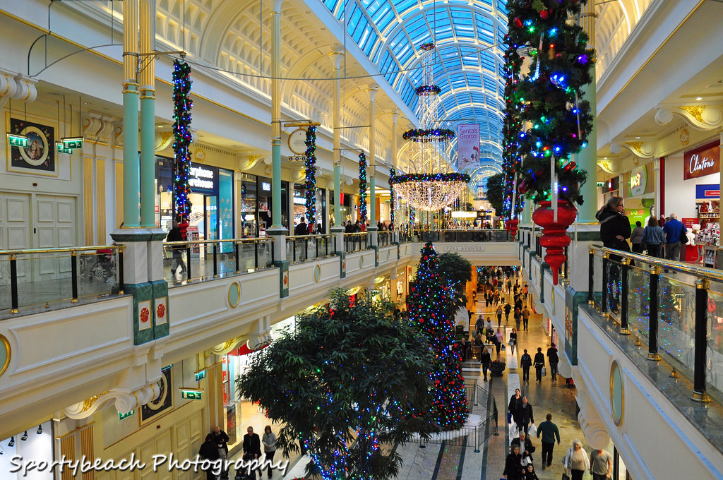 Cake Decorating Trafford Centre : The Trafford Centre Christmas Decorations at The ...