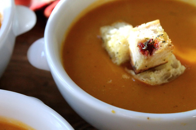 Friday Link Love + Butternut Squash Soup