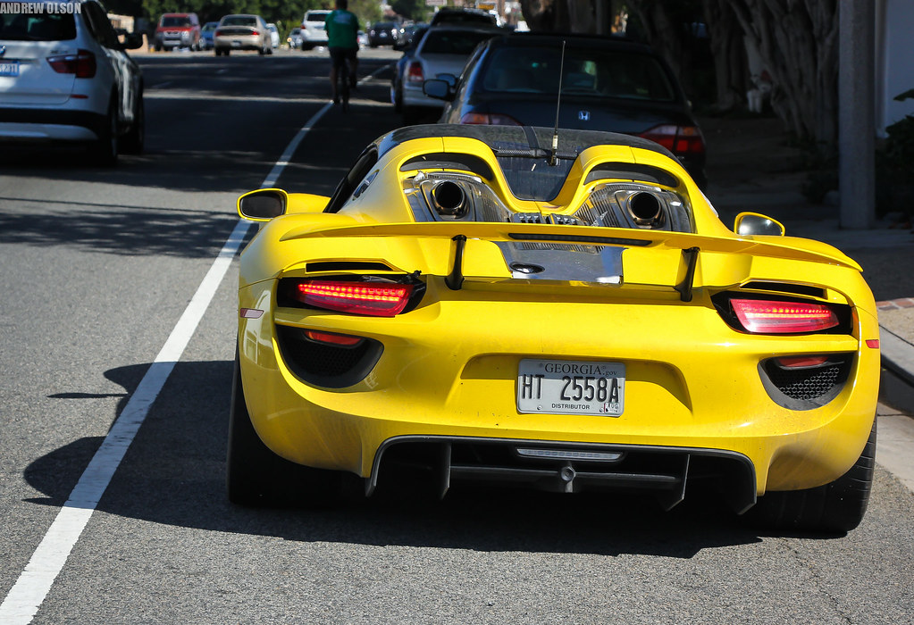 porsche 918 spyder i was so excited to see this yellow. Black Bedroom Furniture Sets. Home Design Ideas