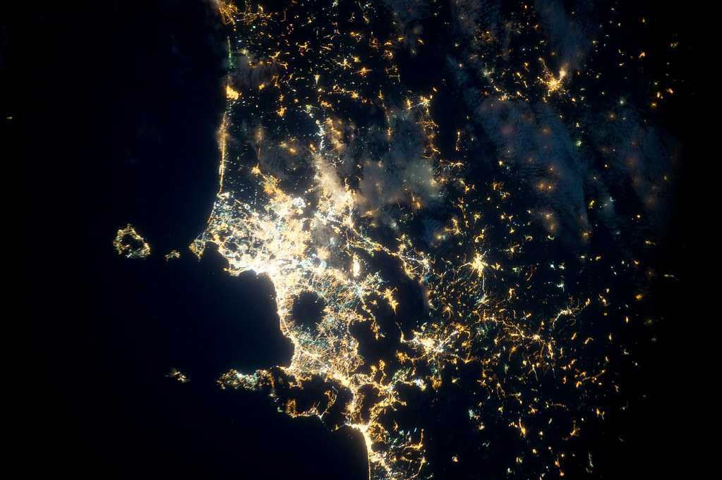 naples italy taken at night from the international space. Black Bedroom Furniture Sets. Home Design Ideas