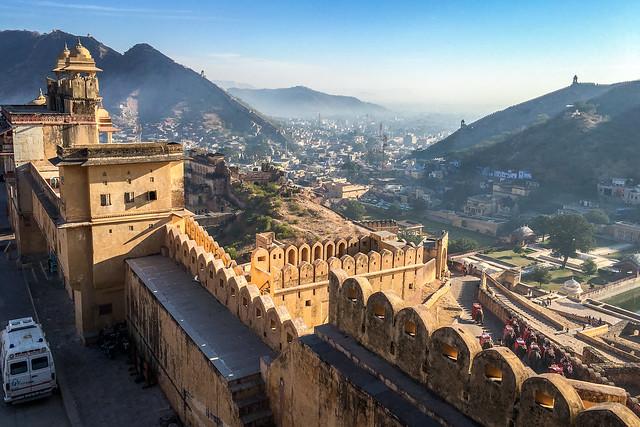 Panoramic view from Amber Fort, Jaipur, India ジャイプール、アンベール城からの眺め