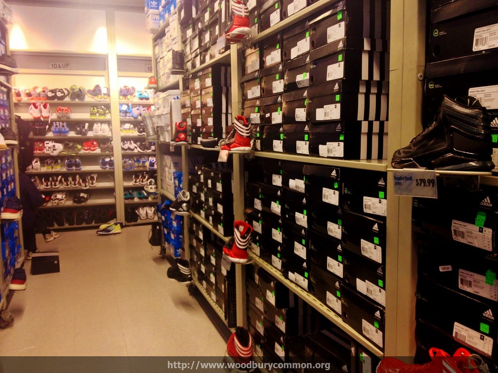 adidas factory outlet woodbury commons