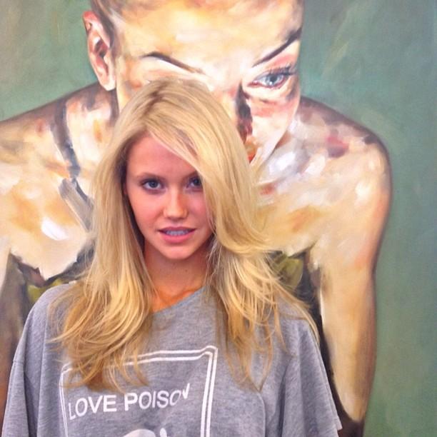 celebrity hairstylist ramsesiii at a t tramp salon b