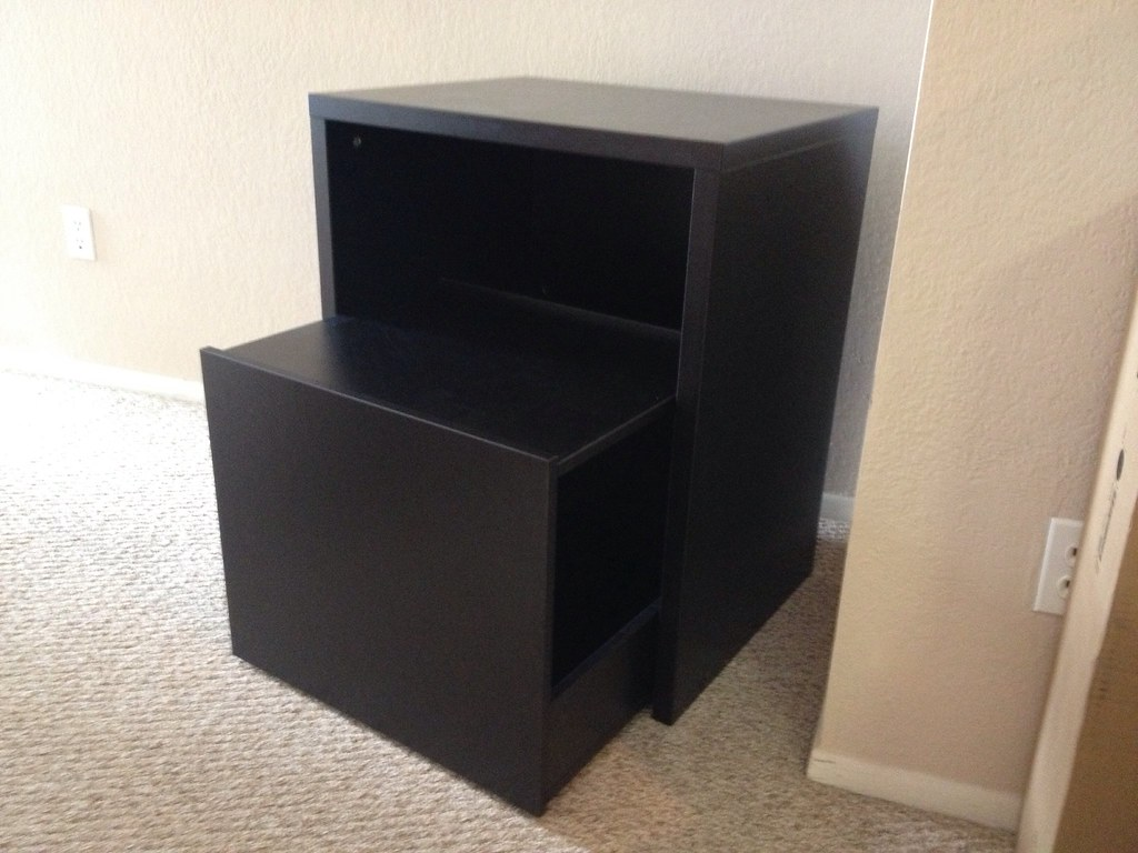 office furniture assembly assembling an ikea micke printe. Black Bedroom Furniture Sets. Home Design Ideas