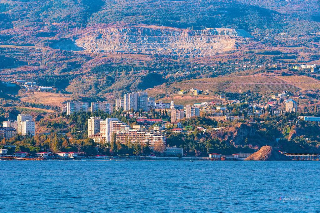 Crimean coast. Partenit.
