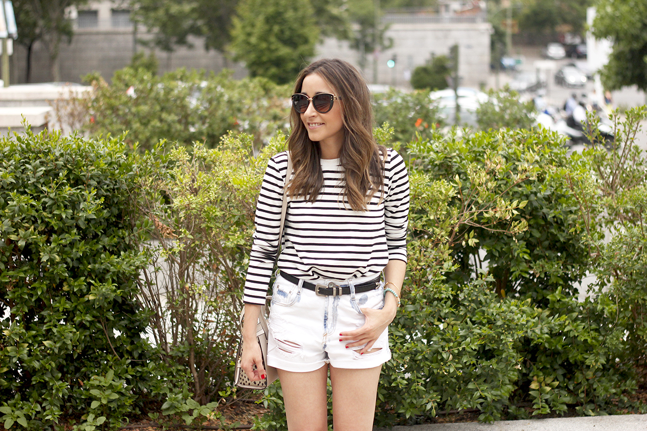 Stripes and denim shorts nude heels acosta bag sunnies belt summer outfit09