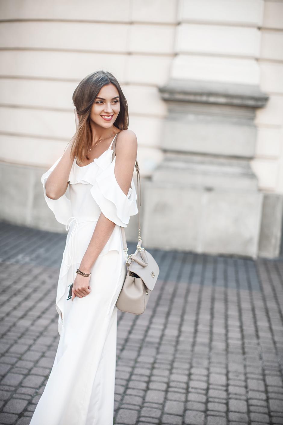 style-blogger-minimal-feminine-style