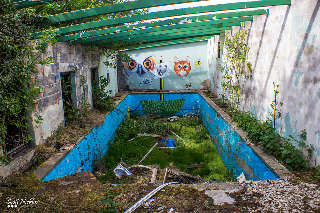 Abandoned swimming pool scott nicklin flickr for Disused swimming pools