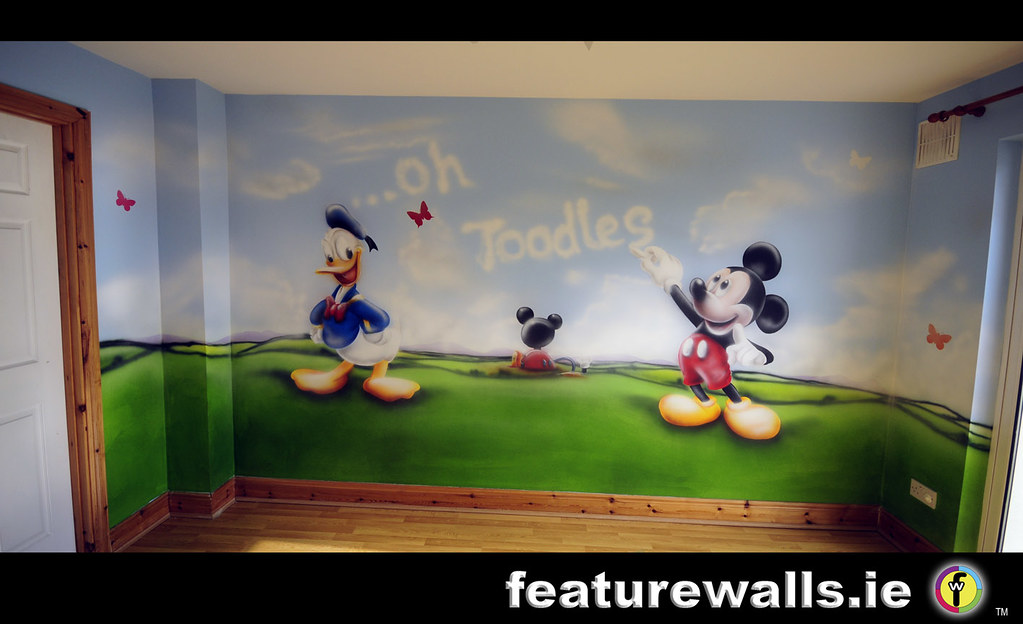 Mickey mouse club house kids room painted murals disney ch for Mural room white house