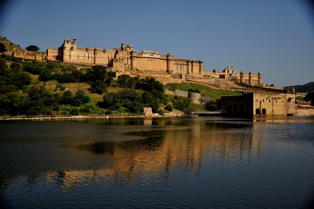 Amer fort jaipur the aesthetic ambiance of this for Wallpaper for home walls jaipur