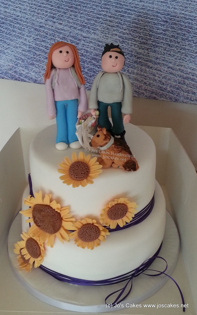 Two Tier Sunflowers Wedding Cake | A two tier cake for a ...