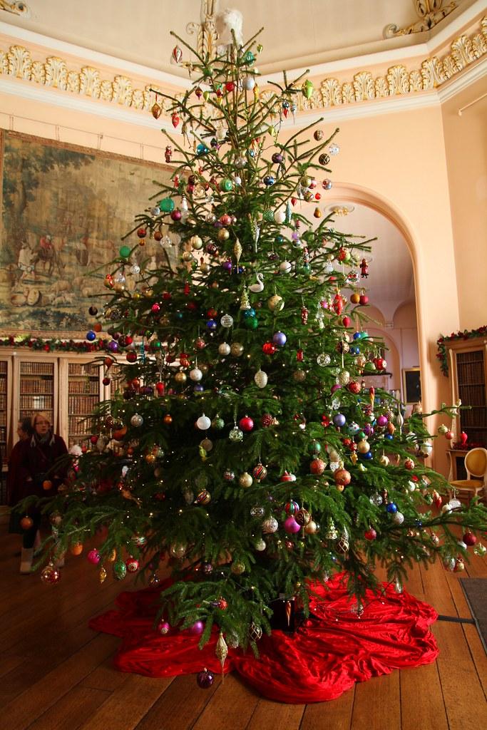 White Tree Christmas