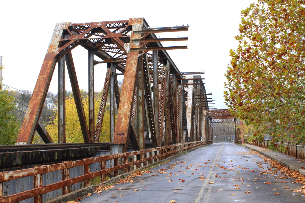 Two Bridges In Downtown Frankfort Ky In The West Side Of Flickr