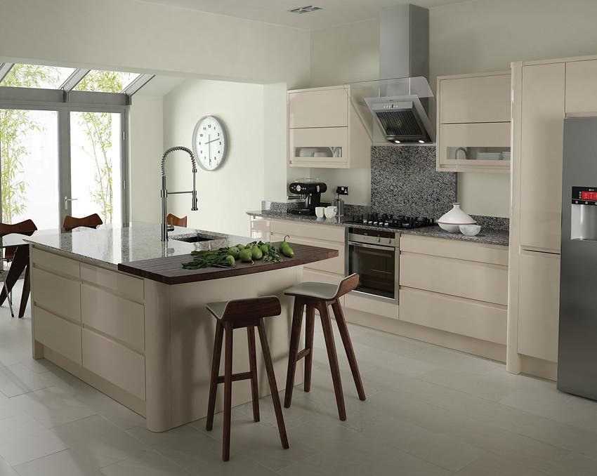 Remo Beige Kitchen | A Remo Beige High Gloss Kitchen ...