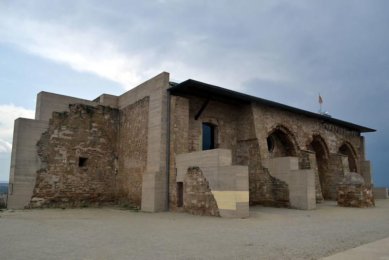 Un castillo ampliamente intervenido como puede apreciarse.