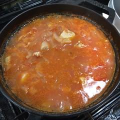 #staub で作る、チキンのトマト煮込み