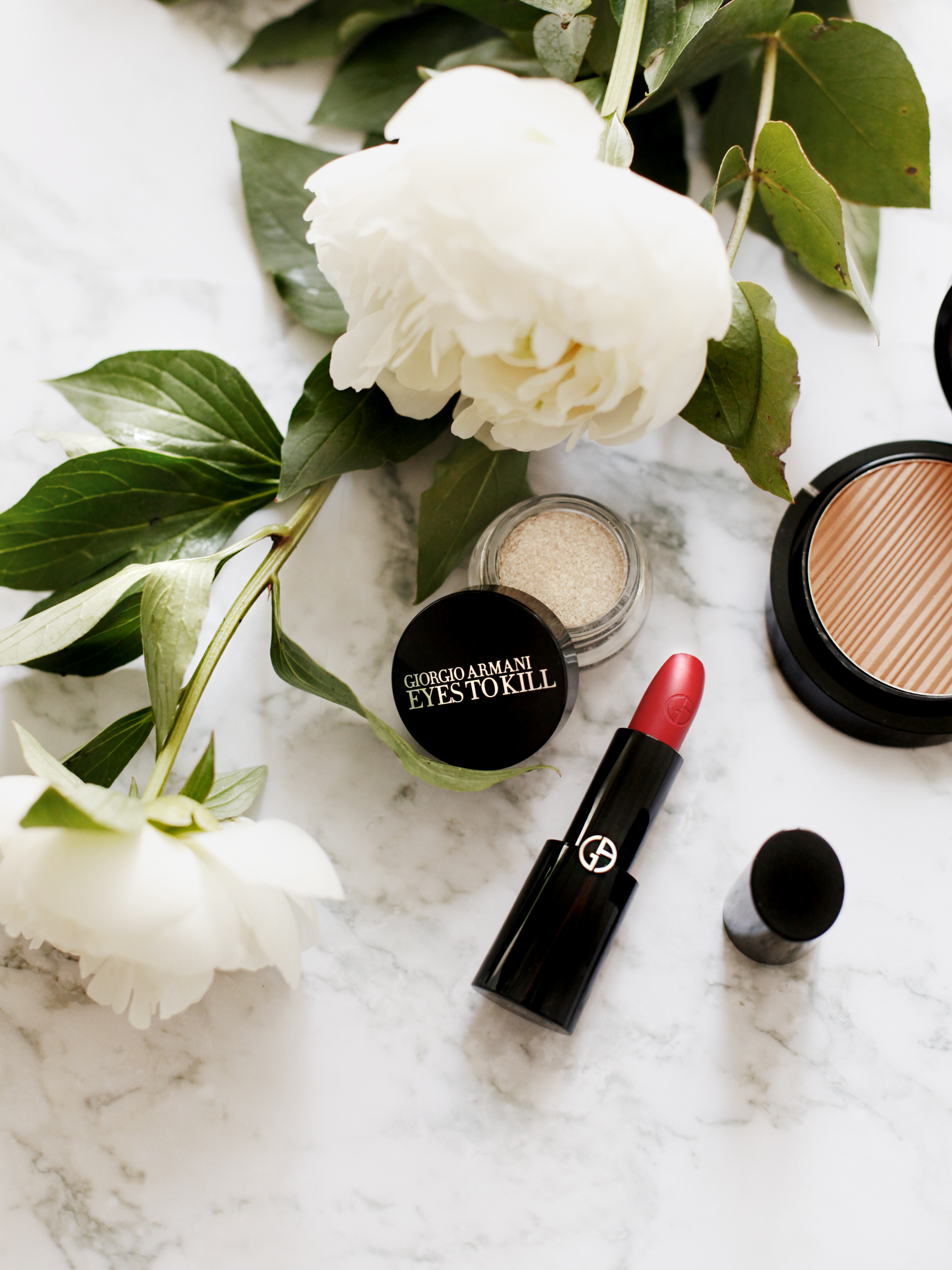 armani beauty makeup beauty beautyblogger bronzer red lipstick luxury products douglas mascara marble peony white flatlay cats & dogs beautyblog ricarda schernus schminke bloggerin 3