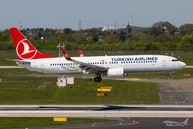 Turkish Airlines - B738 - TC-JFP (1)