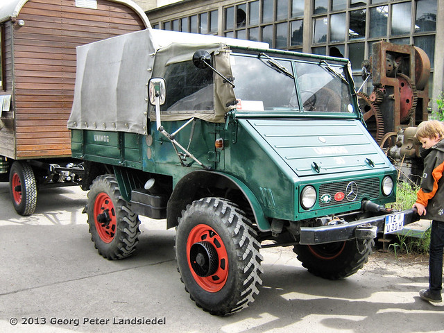 unimog plane osnabr ck 6276 2013 09 01 flickr photo sharing. Black Bedroom Furniture Sets. Home Design Ideas