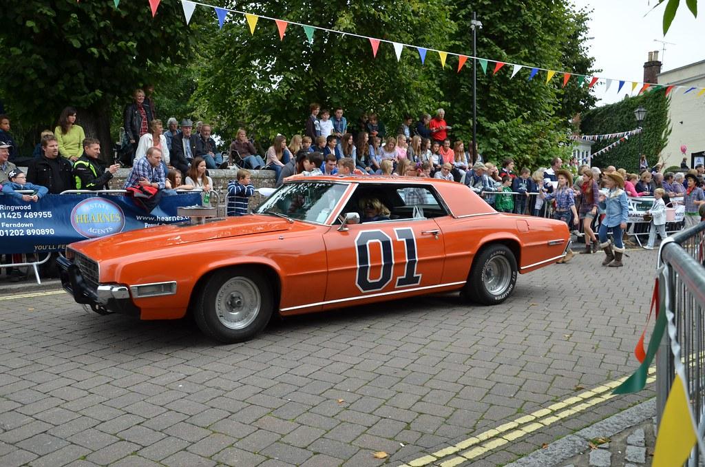 Dukes Of Hazzard Slot Car Racing Set