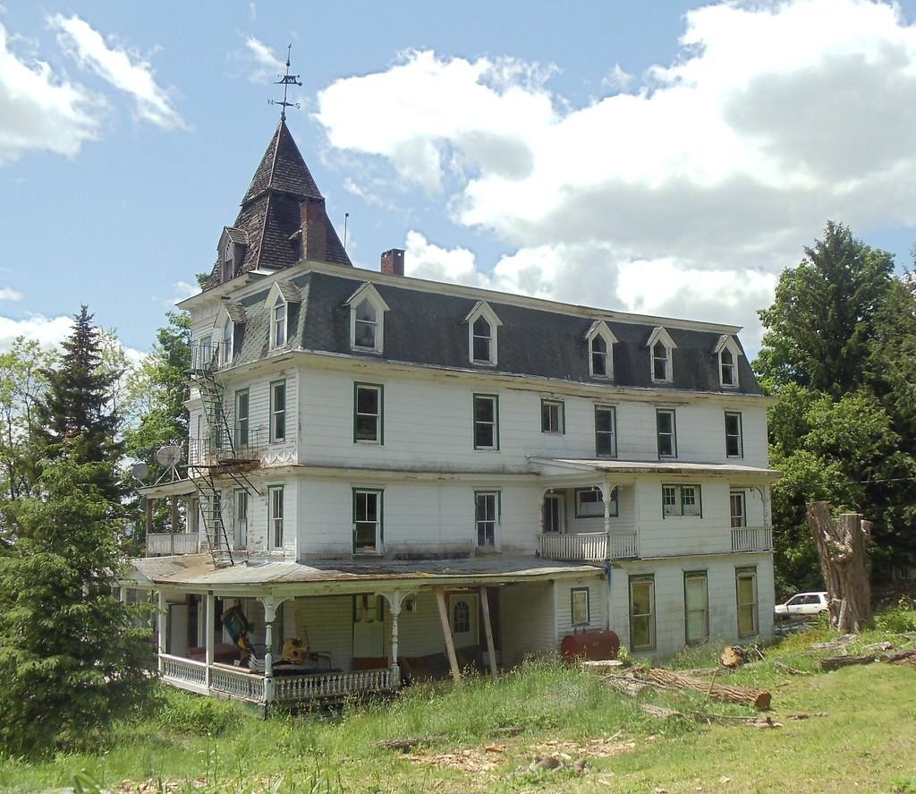 One Stamford Forum: Former Mountain View Hotel In Stamford, New York