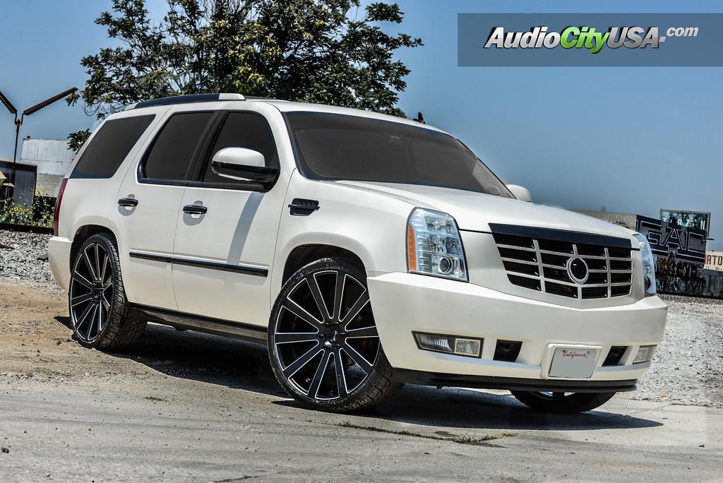 Cadillac Escalade On 26 Quot Giovanna Wheels Santoneo Rims Mat
