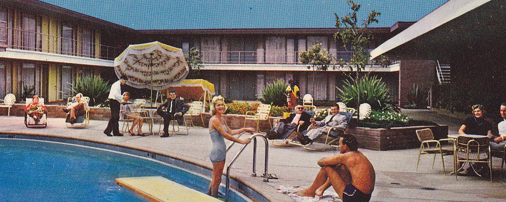 Caravan lodge vintage pool view phoenix hotel circa 1950s flickr for Phoenix swimming pool white city