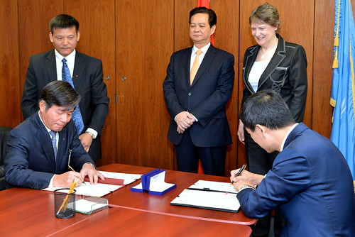Signing of Memorandum of Understanding between UNDP and Viet Nam | by United Nations Development Programme